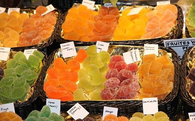 Bandejas de frutas desidratadas.