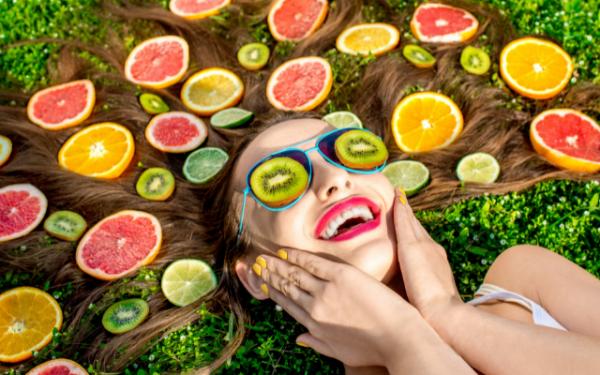 Cuidar da porosidade também tem a ver com alimentos adequados para a saúde do cabelo