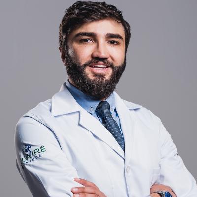 Dr. Lucas Fustinoni