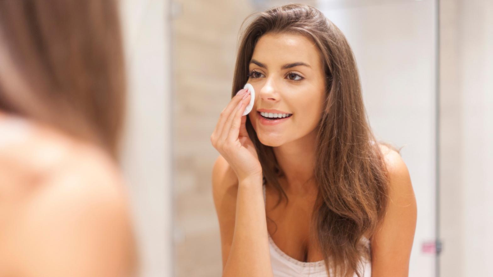 esponja-de-limpeza-facial-beneficios-minuto-saudavel