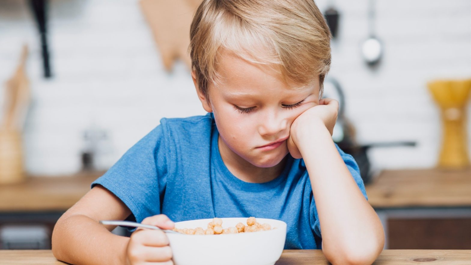 Criança com falta de apetite.