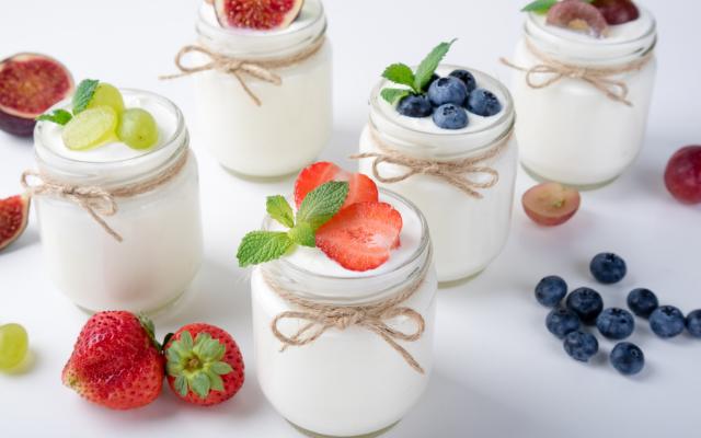 Iogurte natural com frutas
